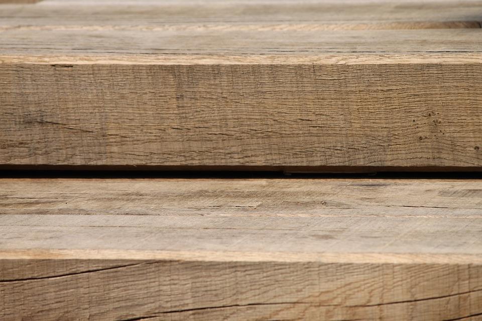 dřevěný trám