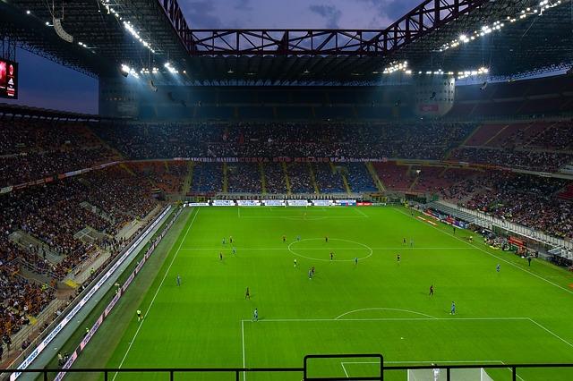 fotbalový stadion večer
