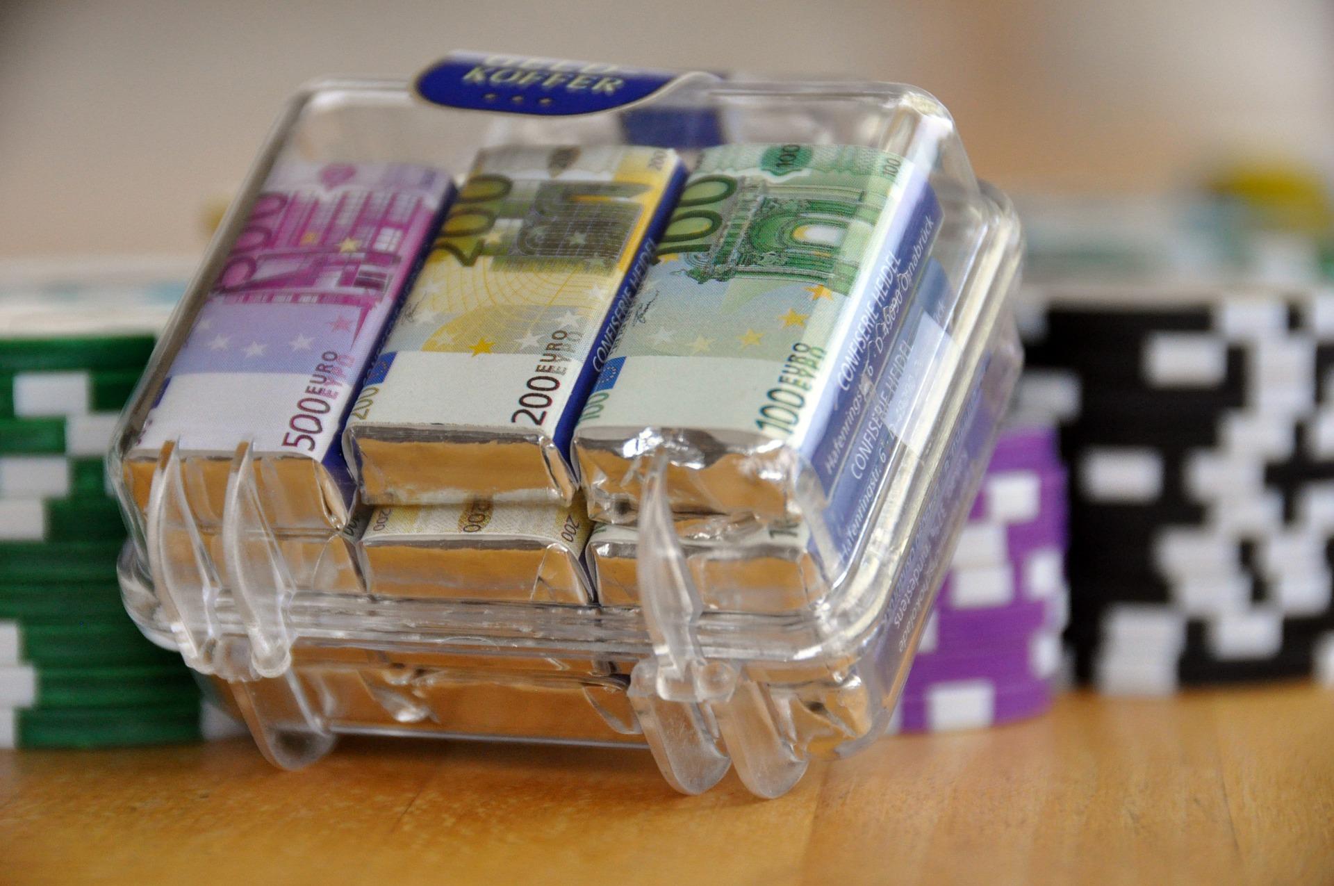 Proč se místo do banky vypravit do nebankovní společnosti?